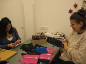 Our friends from CUDV Jesenice working on (Re)Flaska keyhangers